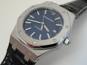 Audemars-Piguet-Royal-Oak-Replica-BLue-Dial-Black-Leather-Strap